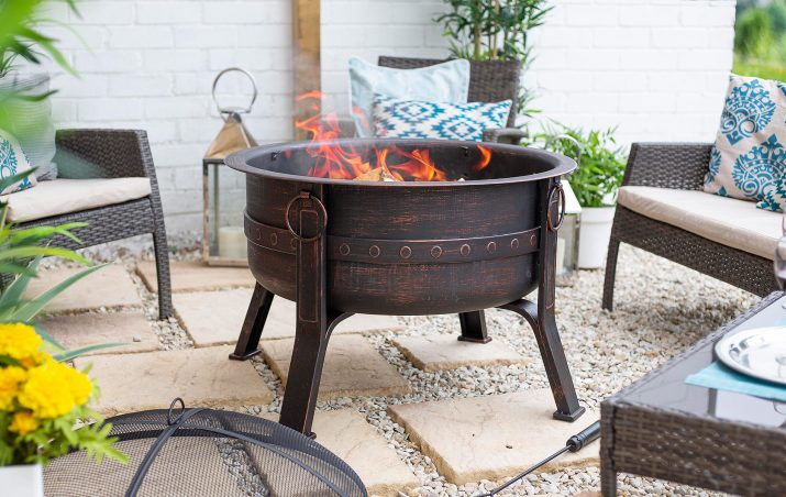 Brava Steel Banded Firepit with Mesh Cover